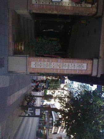 Catalonia Conde de Floridablanca: Hotel Entrance and Street view