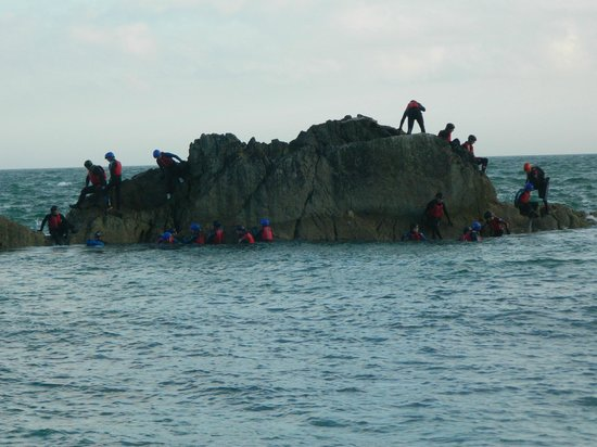 Land & Wave: Burton Scouts, On the edge!! :-)