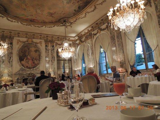 Le Meurice: レストラン ル・ムーリス ここで朝食