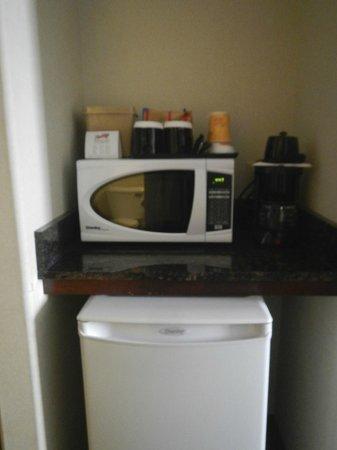 Holiday Inn Hotel & Suites Lloydminster: Minifridge/microwave