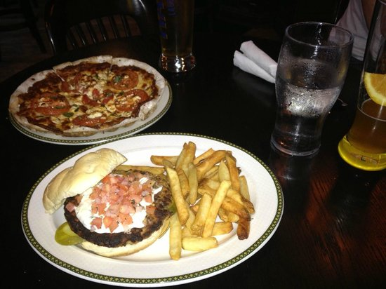 The Old Triangle Irish Ale House: Marguerite Pizza, my fave!