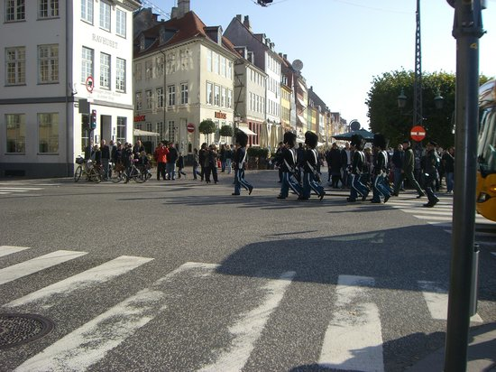 """Change of guard - view from """"Barock"""" vantage point !"""