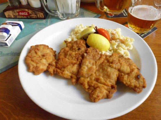 """U Salzmannu - Pub and Penzion: Les fameux """"snitzel"""""""