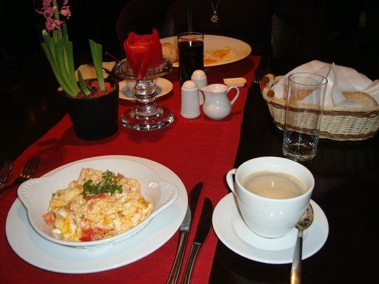 Farmona Hotel Business & Spa: Breakfast