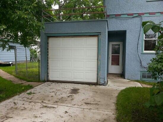 Garage Door On The Dylan House Foto Van Bob Dylans House Hibbing