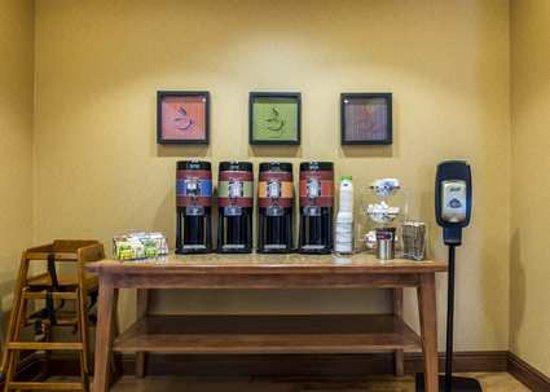 Hampton Inn Presque Isle: 24 hour Coffee & Tea
