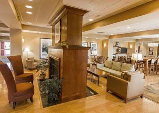 Hampton Inn Presque Isle: Lobby