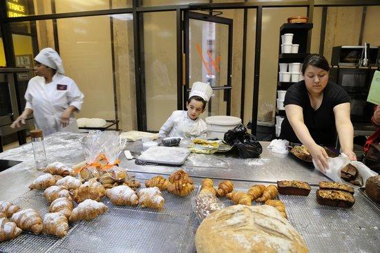 Hendrickx Belgian Bread Crafter : In the Hendrickx Kitchen