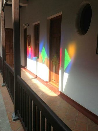 Maison Perumal: Reflection from stained glass