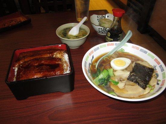 Shinjuku Ramen Restaurant: food