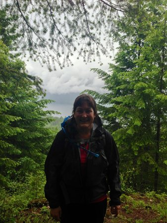 Mountain Trek Fitness Retreat & Health Spa: Hiking with Mountain Trek