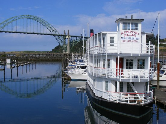 Newport Belle Bed & Breakfast: The Newport Belle B & B in Newport, Oregon