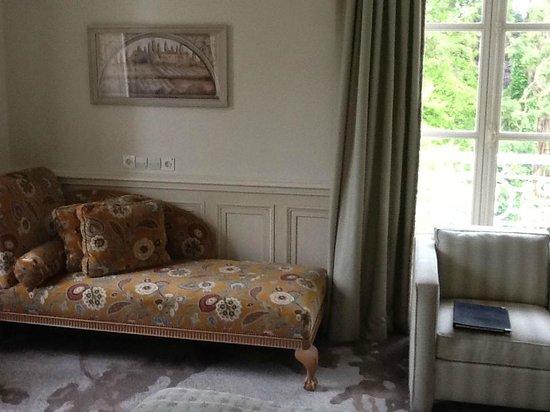 Chateau La Cheneviere : A partial view of our junior suite
