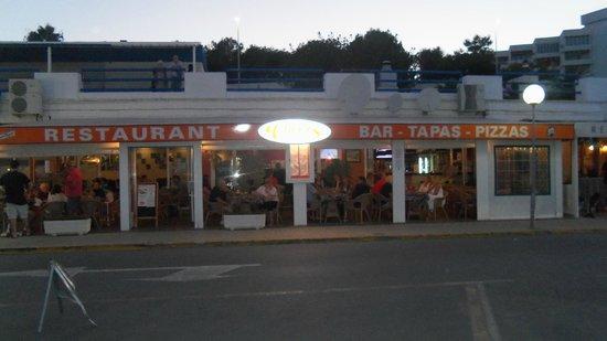 Cheers Bar & Restaurant