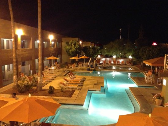 3 Palms Hotel: The Pool/Spa area and the Poolside rooms...