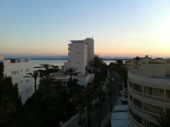 Universal Hotel Romantica : vista all'alba