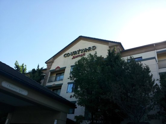 Courtyard by Marriott Salt Lake City Sandy: Ingang van het hotel