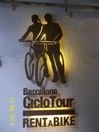 Barcelona CicloTour : a min away from la rambla