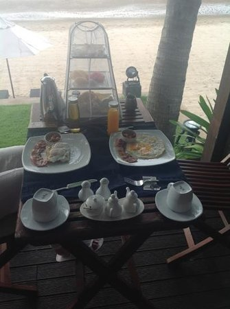 Aleenta Hua Hin Resort & Spa: Breakfast served at our room