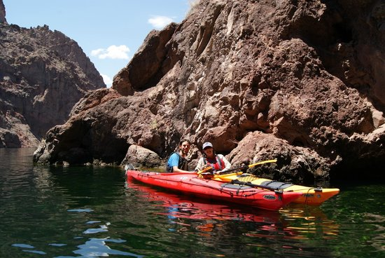 Evolution Expeditions Paddling The Black Canyon Las Vegas Kayak Tours On Colorado River