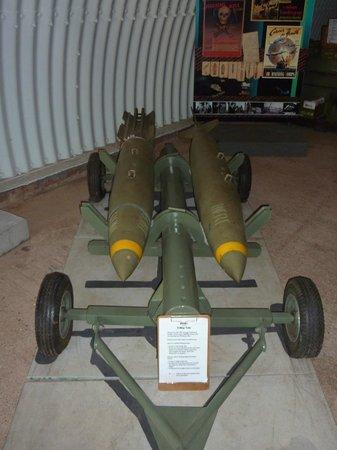 Charles Darwin National Park : Bombs