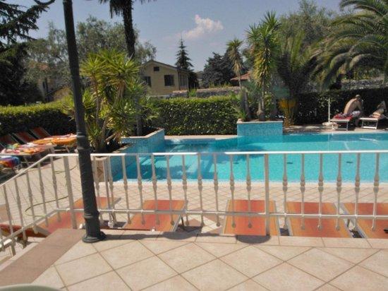piscina hotel sorriso