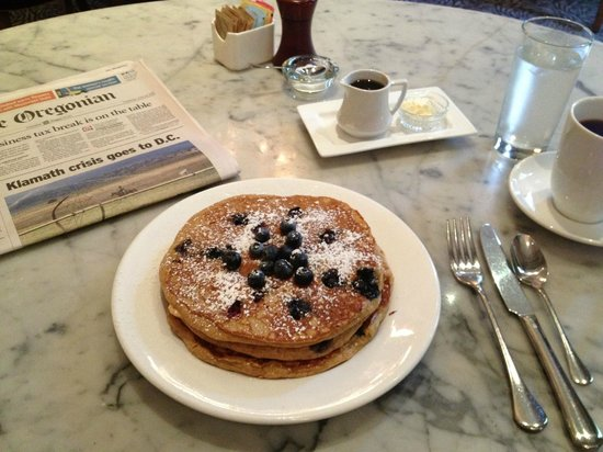 Hotel deLuxe: Blueberry Pancakes