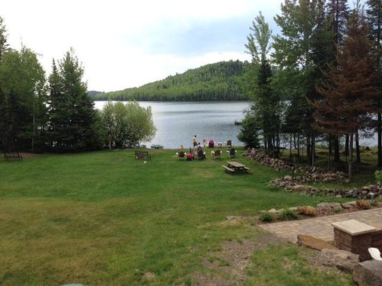 Hungry Jack Lodge & Campground: View of the lake and beach from the lodge