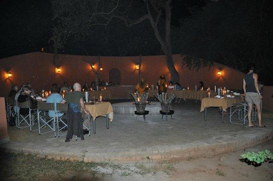 Mohlabetsi Safari Lodge: Boma