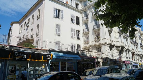 Nice Garden Hotel: Hotel Entrance