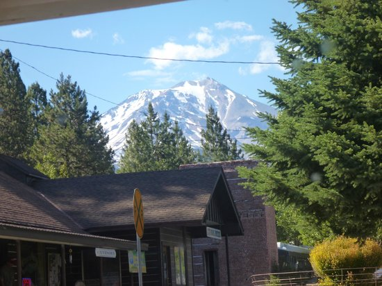 White Mountain Cafe : View of Mt Shasta from the side booths, Jun 2013