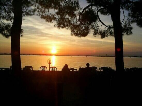 tramonto dal ristorante al pescatore