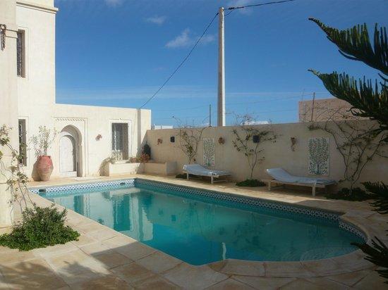 Dar Hamza Djerba: La piscine