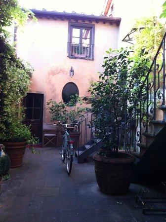 Casa Biancalana : courtyard, stunning