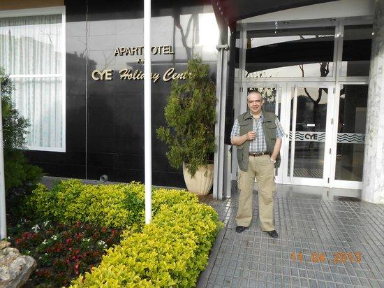 Aparthotel CYE Holiday Centre : Вход в отель