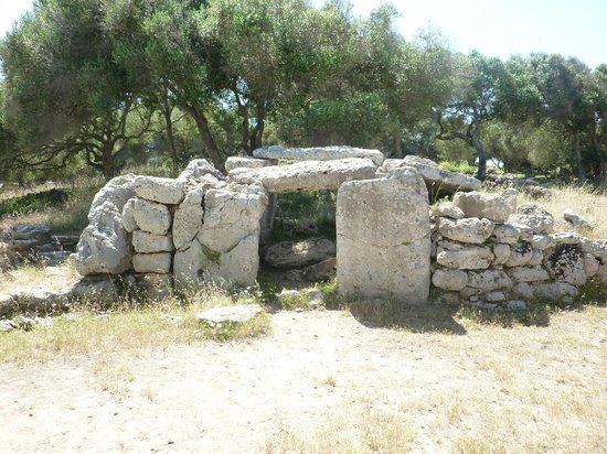 Talati de Dalt: Remains of a house.