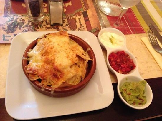 Casita Mexicana: amazing nachos and dips :-)