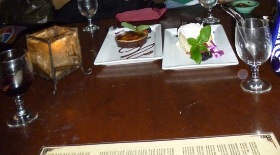 Ceviche Tapas Bar and Restaurant: creme burlee and tres leches