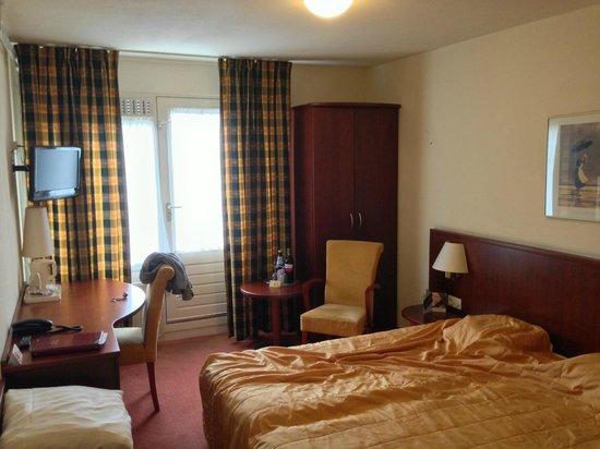 Brinkhotel Zuidlaren: Two single beds