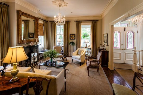 Catherine Ward House Inn: Parlor