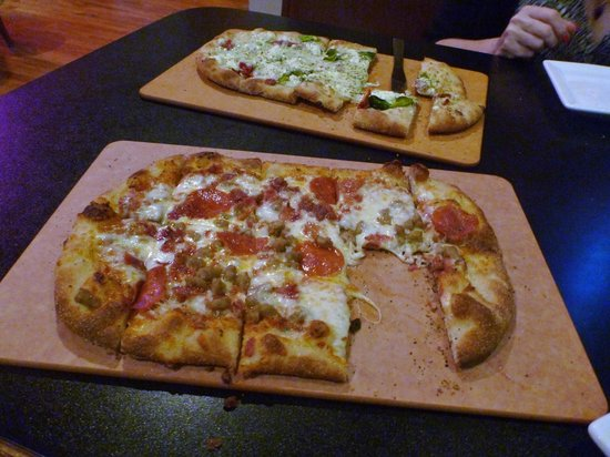 Independent Ale House: Veggie and Meat Pizzas