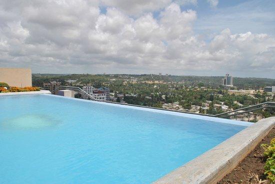 Blue Pearl Hotel: Rooftop Pool
