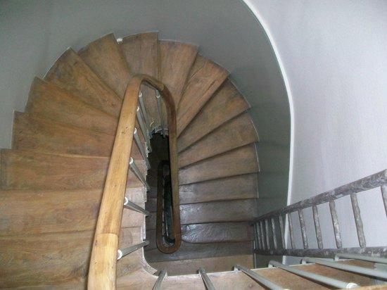 Le Grand Hôtel de Clermont : stair well