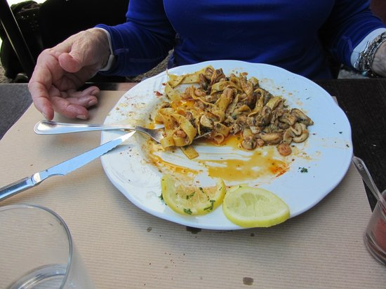 Aintzina : pasta with mixed seafood   special for the day