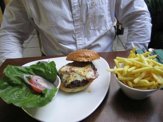 West29 RestoLounge: The Gourmet Burger