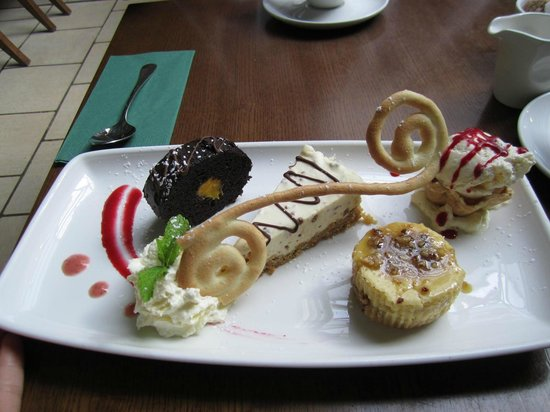 West29 RestoLounge: Look at this dessert!