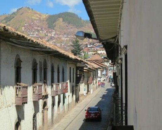Tambo del Arriero Hotel Boutique: View from breakfast room window to street