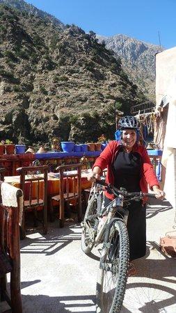 La Perle de l'Ourika : Ammaria houd van fietsen