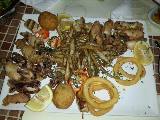Karousos Beach Restaurant: мезе