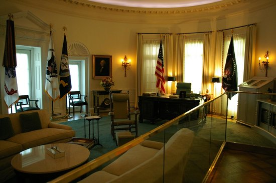 Mock up of the Oval Office Picture of LBJ Presidential Library